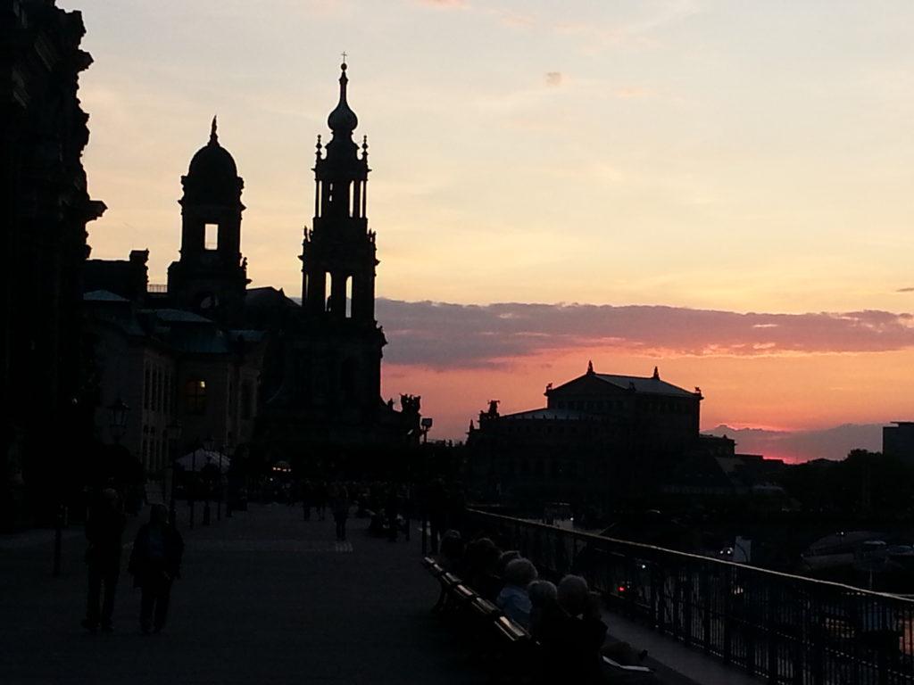 Dresden - Arbeiten, Wohnen, Leben: Konzept ein einladender Ort